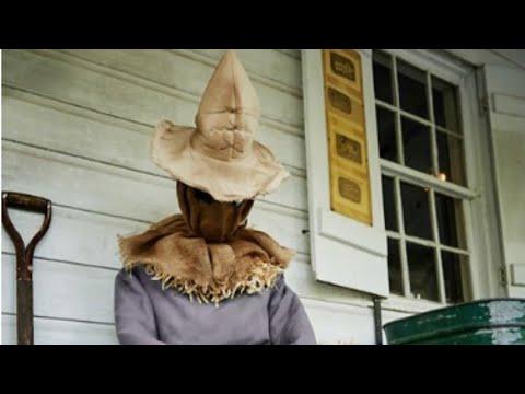 Spirit Halloween 2020 Scarecrow Sitting Scarecrow is returning for the Spirit Halloween 2020