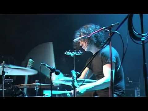 06 The Dead Weather - I Cut Like A Buffalo.