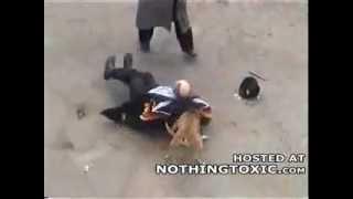 Repeat youtube video كلب هائج يعض رجل و امراه مسنه يقتل بالرصاص.flv