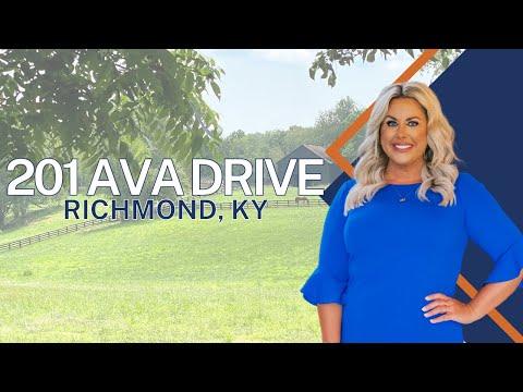 201 Ava Drive, Richmond, KY 40475, Luxury Home For Sale, Amanda V. Stepp-Marcum, Berkshire Hathaway