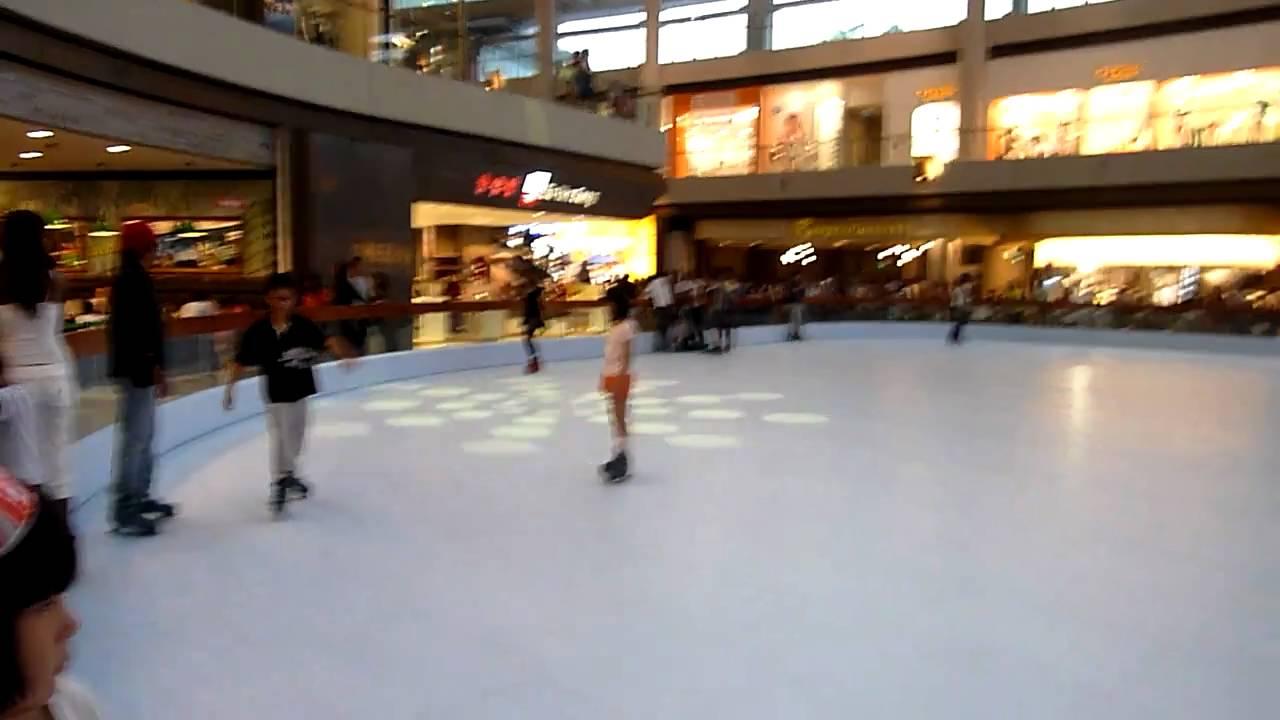 marina bay sands resort singapore synthetic ice skating rink