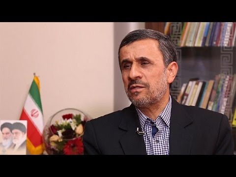 Exclusivo: Mahmoud Ahmadinejad critica acordo nuclear do Irão e aponta o dedo a  Trump