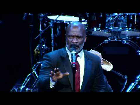 Reach Out and Touch - Bebe Winans - Live at The Howard Theatre