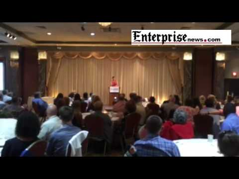 Rebecca Lobo gives advice to athletes at the Enterprise All-Scholastics