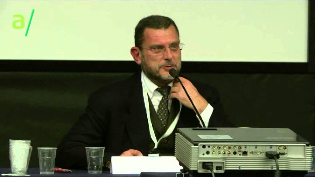 Luciano Barra Caracciolo: La Costituzione nella palude – Euro, mercati, democrazia 2015