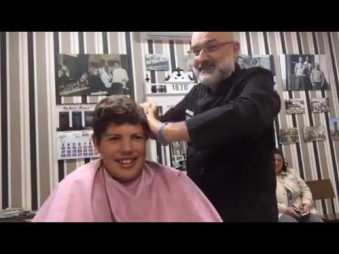 Dialos en la barberia blanco la mas antigua de badajoz