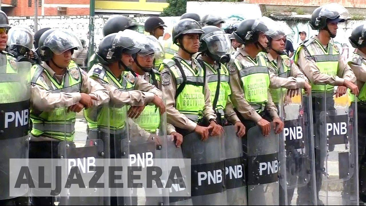 Venezuelans defy police in fresh protests