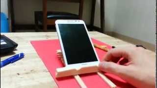 World's First Wooden Smartphone Stand For Video Recording And Web Surfing