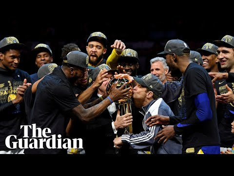 Klay Thompson googles himself as Golden State Warriors celebrate NBA title