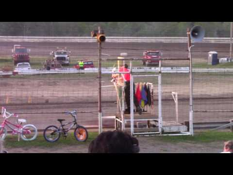 Hummingbird Speedway (6-10-17): Aaron's of DuBois Front-Wheel Drive Four-Cylinder Heat Race #1