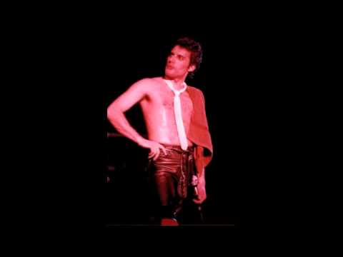 14. Spread Your Wings (Queen-Live In Newcastle: 12/4/1979) (Remaster)