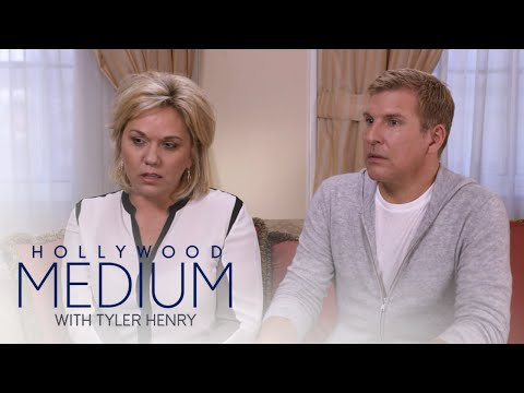 Todd and Julie Chrisley Get Message From Late Brother | Hollywood Medium with Tyler Henry | E!