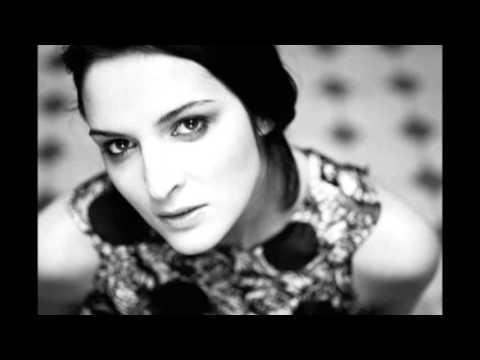 Jana Kirschner - V botach na opatku