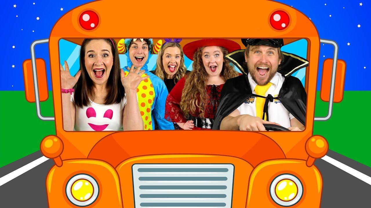 Wheels on the Bus - on Halloween! 🎃 Nursery Rhymes & Kids Songs