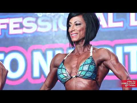 2019 IFBB Tampa Pro Masters Figure Over 40 EVENING