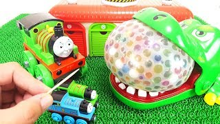 Thomas & Friends Orbeez Water Balloon Bomb Experiment Crocodile Attack