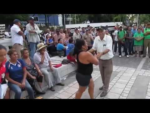 Bailando con la Marimba USULA Municipal, el 23 de agosto del 2016