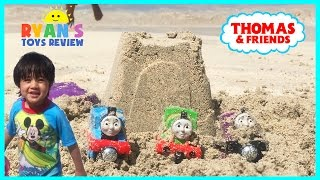 Thomas and Friends Trains Surprise Toys in the sand with Ryan
