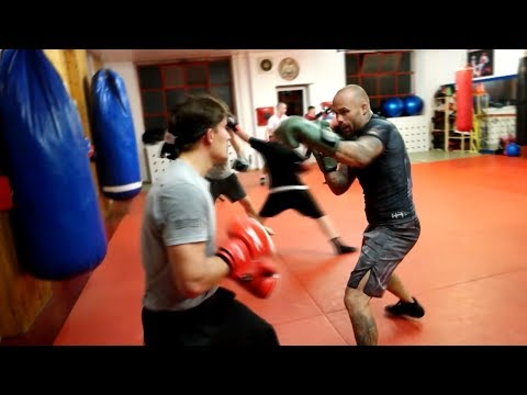Fight Academy Song Paderborn - Kampfsport, Leidenschaft, Teamgeist