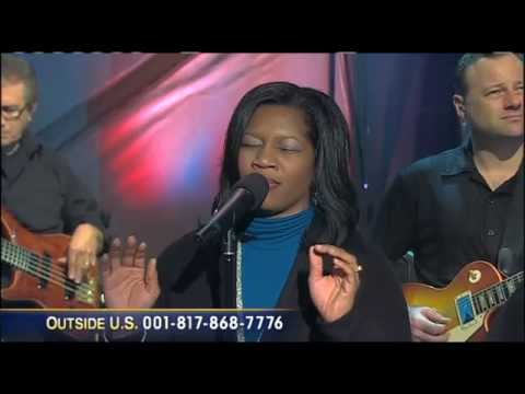 Blessed Assurance - Joni Lamb & The Daystar Singers And Band
