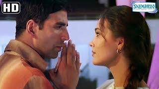 Lara Dutta Hugs Akshay Kumar - Andaaz Romantic Scene - Best Bollywood Movie