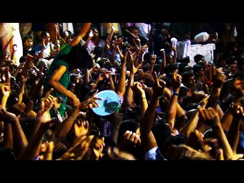 Panchari Melam : Crowd Frenzy @ Peruvanam Nadavazhi