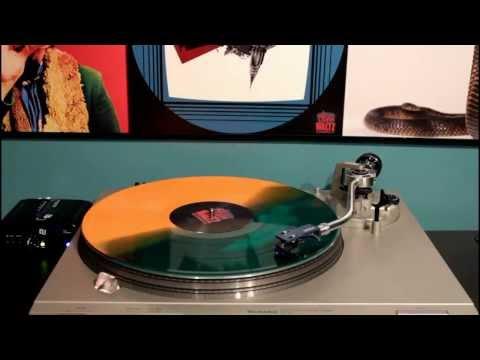 Escape from New York Soundtrack -- Deathwaltz Records [Full Vinyl Rip]