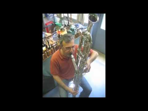 Octocontralto clarinet : lowest notes from C to Low-C