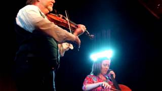 Alasdair Fraser & Natalie Haas - The Pitnacree Ferryman