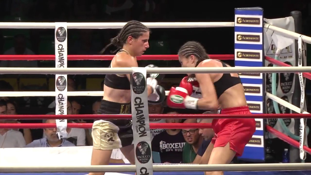 Boxe Simona Galassi VS Laetitia Arzalier - YouTube