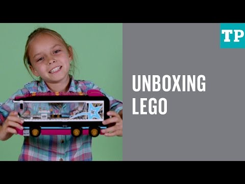 Lego Friends Pop Star Tour Bus: Unboxing and review