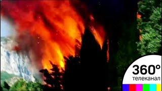 Сильнейший пожар в Крыму полностью уничтожил детский лагерь. Видео