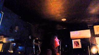 ちゃばの店で唄いました横須賀ミュージック佐々木みゆきは横須賀の歌を...