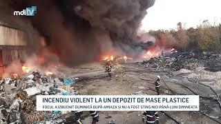 INCENDIU VIOLENT LA UN DEPOZIT DE MASE PLASTICE   YOUTUBE