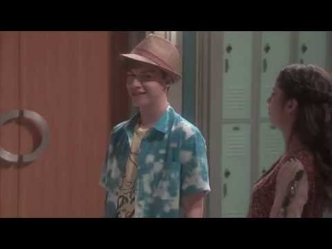 Best Friends Whenever — Bloopers