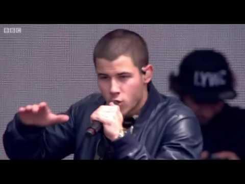 Nick Jonas - Chains (Live at Radio 1's Big Weekend 2016)