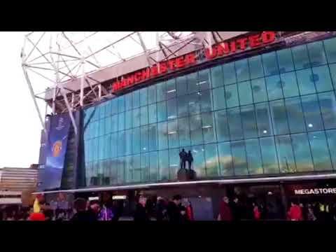 Manchester-Sevilla: Exteriores de Old Trafford en la Previa