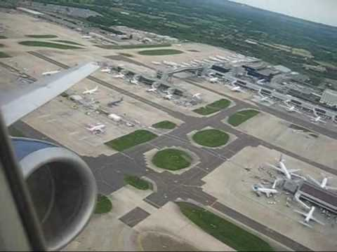 British Airways Boeing 737-400 take-off from London Gatwick