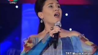Download AZERİN-ÇIRPINIRDIN KARADENİZ (TRT Müzik Kanalı Gala Gecesi CANLI) MP3 song and Music Video
