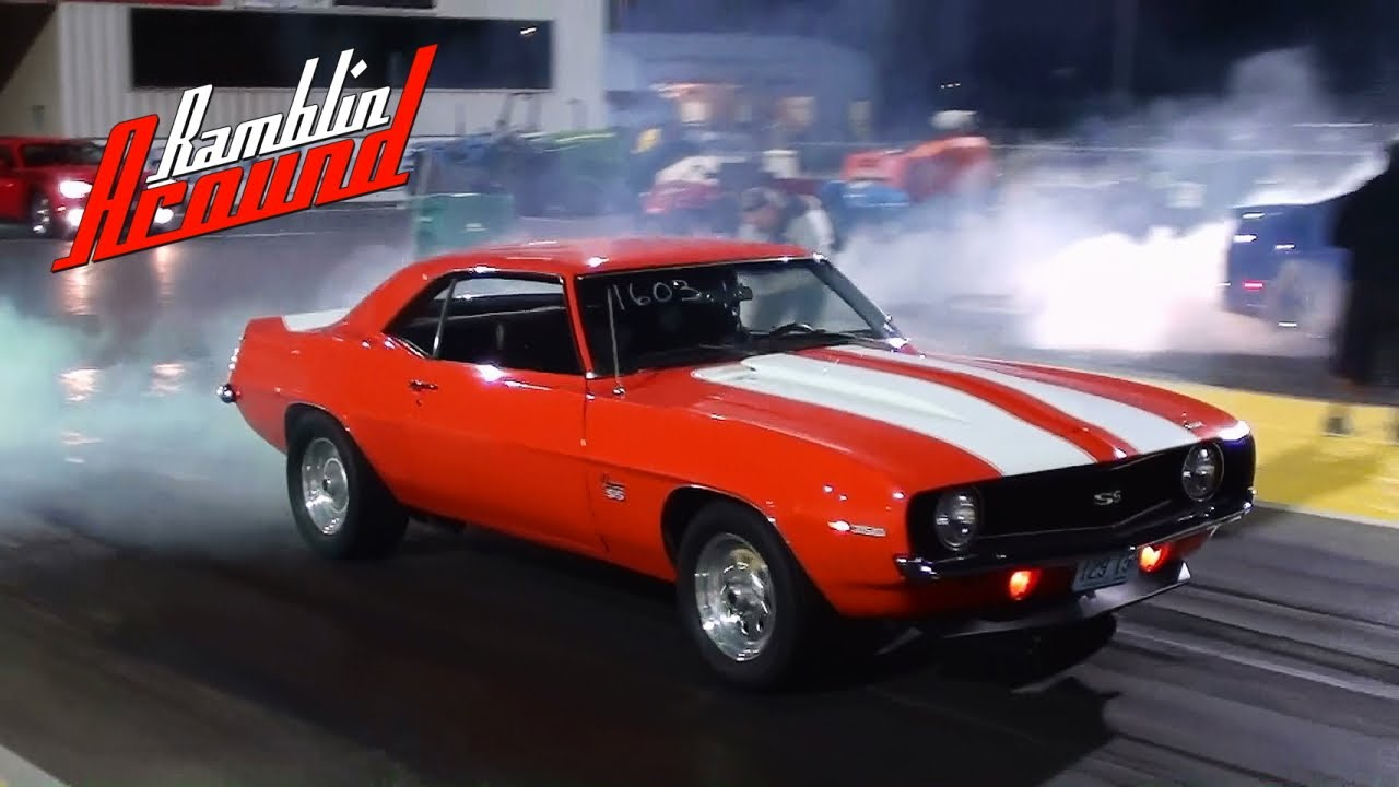 1969 camaro ss vs modern 5.0 mustang - quarter mile and burnout