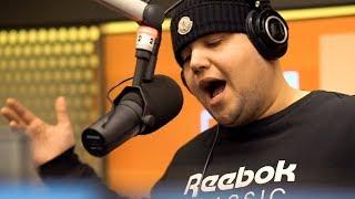 """Jonas Benyoub - """"Snakker Om"""" (LIVE @ YLTV RADIO)"""