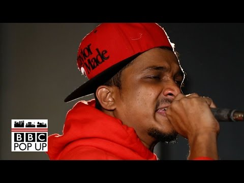 Mumbai rapper Divine changes up traditional tune of Indian music - BBC News