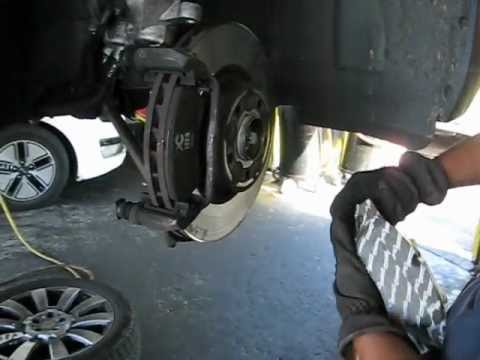 Mercedes benz glk 350 replace front brake pads youtube for Mercedes benz e350 brake pads replacement