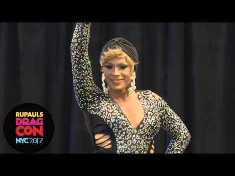 Sissy that Walk with Jade Sotomayor! at RuPaul's DragCon NYC 2017
