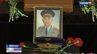 С Николаем Жуганом пришли проститься тысячи человек