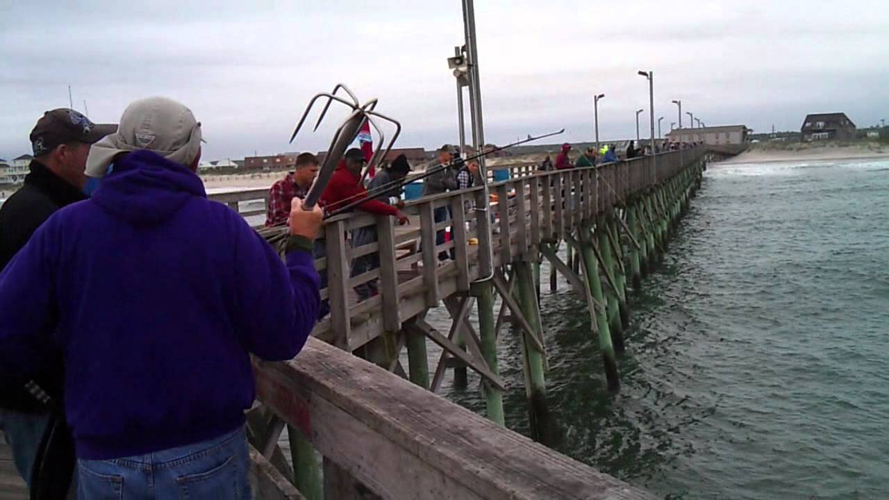 Mike catching a 28 2 pound king mackerel off seaview for Seaview fishing pier