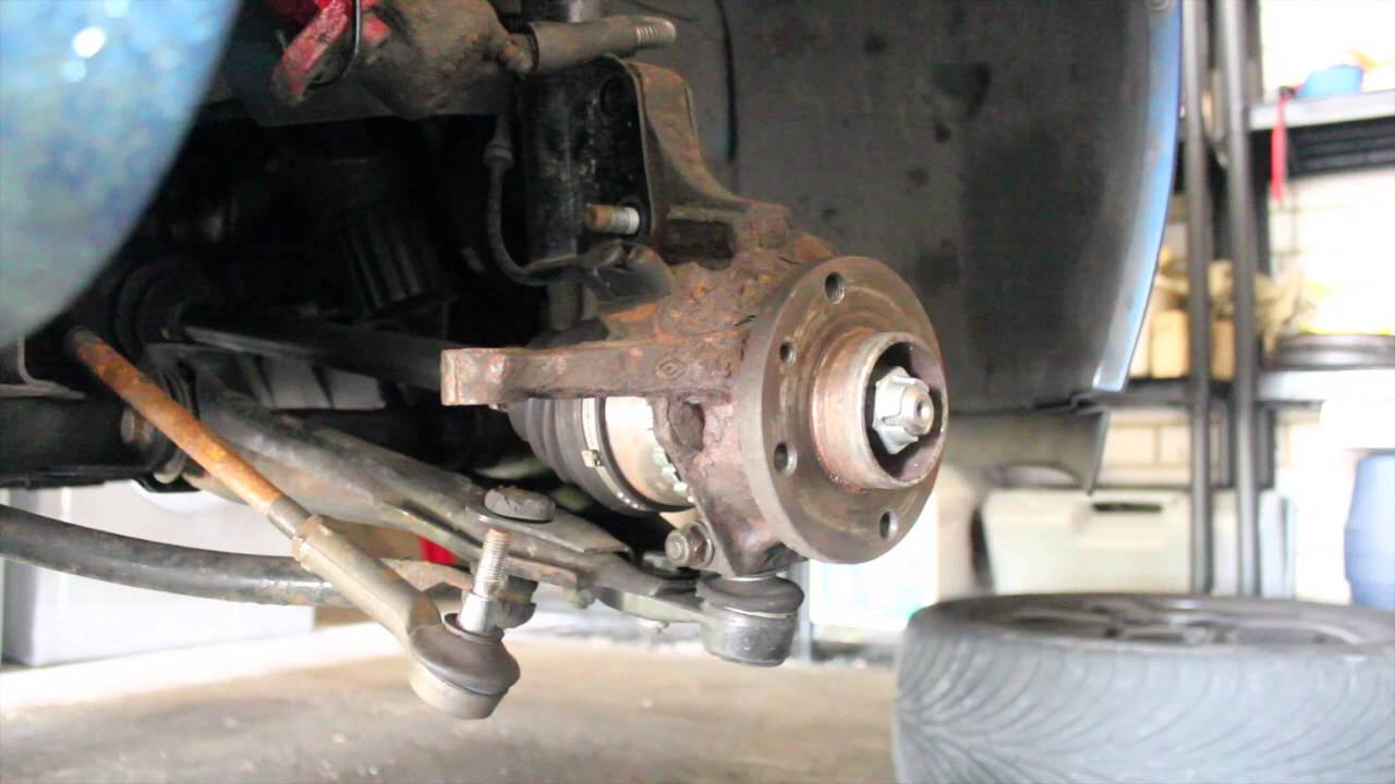 how to replace o s driver 39 s side driveshaft on a renault clio mk2 98 05 full hub removal. Black Bedroom Furniture Sets. Home Design Ideas