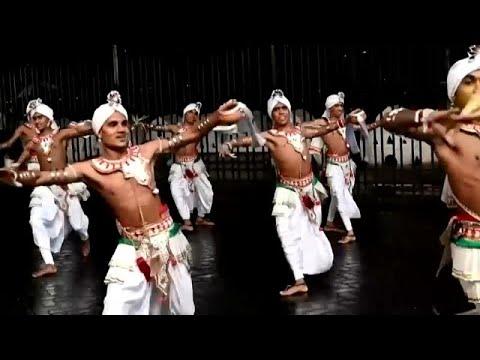 شاهد.. موسيقى ورقص وألعاب خفة في مهرجان بوذي افتقد -الحضور-…  - نشر قبل 16 ساعة