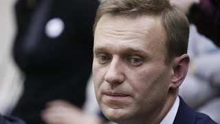 Opposition figurehead Navalny banned from Russian presidential election