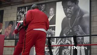 About Billions Fighter Slick Des Display Skills EsNews Boxing